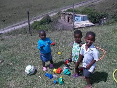 New children - Esam (in blue), Nomaindia and Lukholo